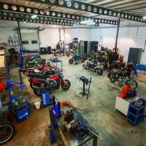 Otwarcie działalności gospodarczej pod firmą CEZIMOTORBIKE, zajmującej się customem oraz przerabianiem motocykli a także obróbką metali i dorabianiem części do maszyn